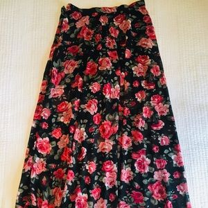 🌹 maxi skirt with built in shorts
